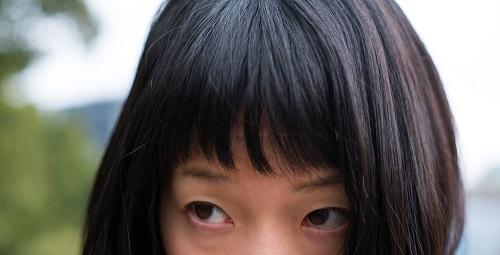 女性の前髪